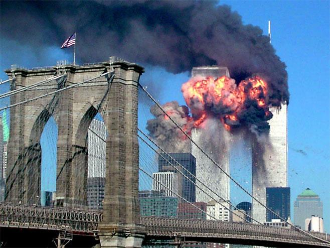 Napad na Kule bliznakinje u Njujorku 11. septembra 2001. - Foto: REUTERS