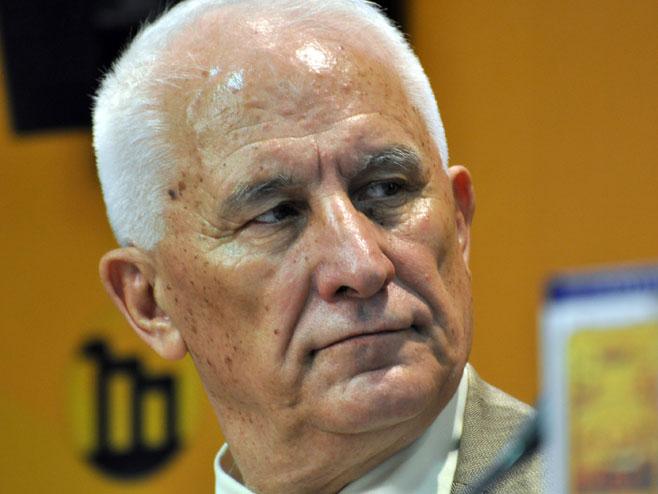 Matija Bećković (Foto: mc.rs) -