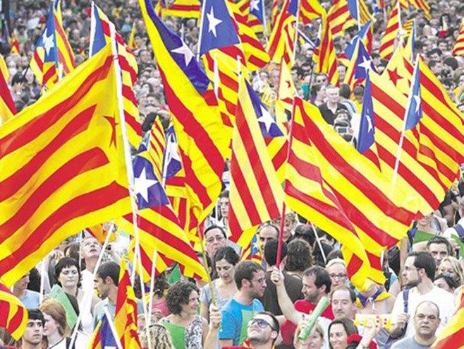 Katalonija na ulicama Barselone (Foto Rojters/Albert Gea) -