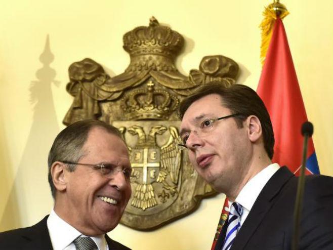 Lavrov sutra sa Vučićem