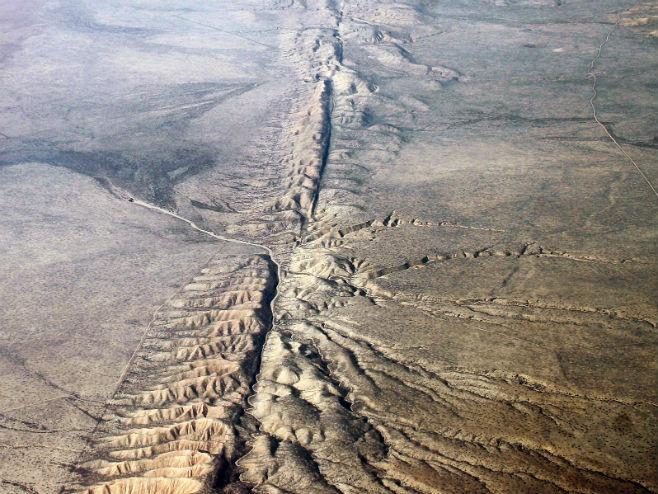 Rasjed San Andreas (Foto: Ian Kluft) -