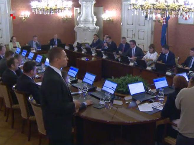 Ministri iz Mosta podnose ostavke, pala hrvatska