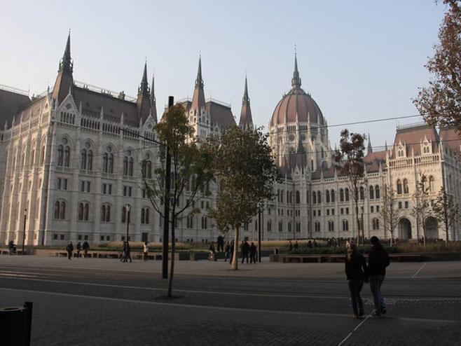 Budimpešta  (Foto:howitdoing.com) -