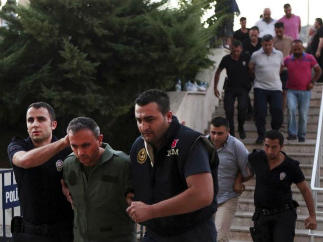 Hapšenja u Turskoj nakon neuspjelog puča - Foto: AP