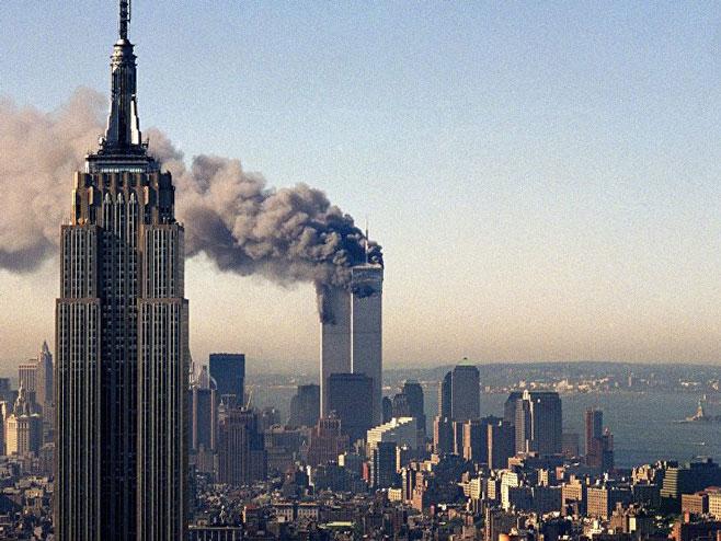 Napad na Svjetski trgovinski centar - Foto: AP