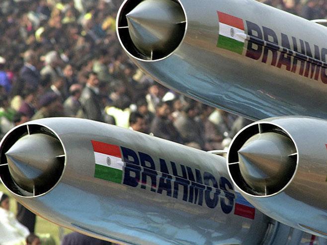 Indija raspoređuje rakete na granici sa Kinom(foto:© AP/ Ajit Kumar -