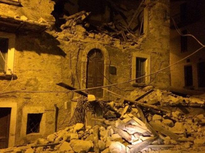 Italija - zemljotres (Foto: Twitter/flavio maccarone) -