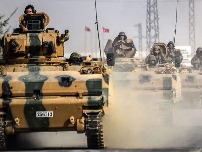 Turska vojska opkoljava kurdske borace u Afrinu