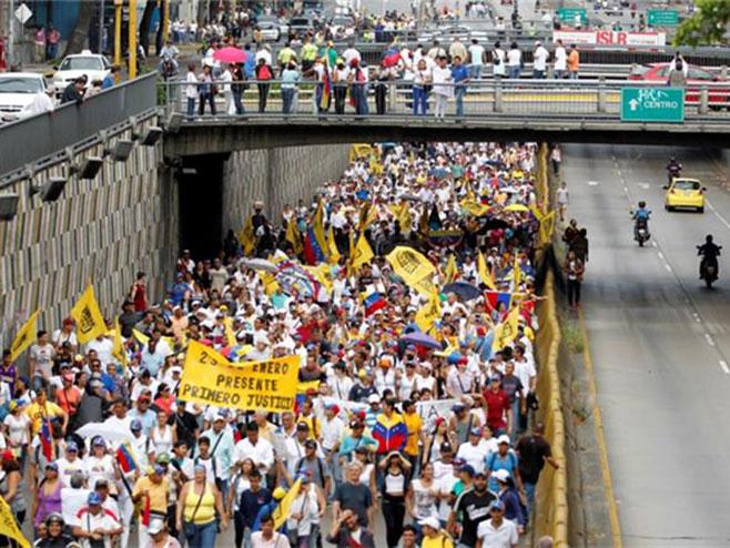 Venecuela: Štrajk protiv Madura