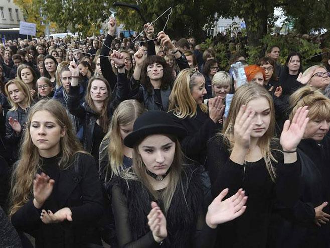 Žene na ulicama Poljske (foto:Tanjug / AP) -