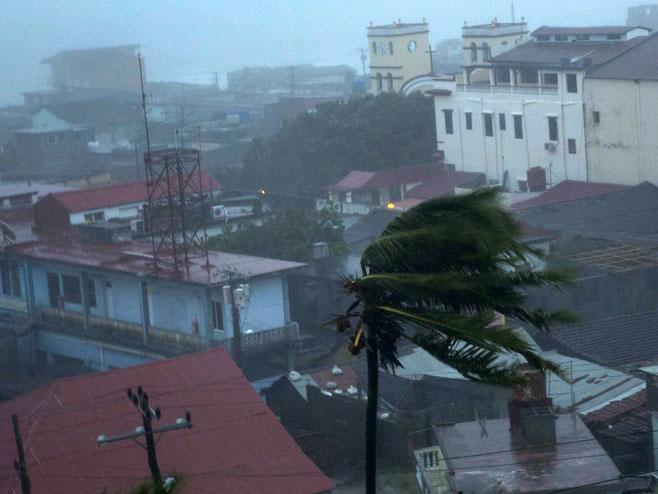 """Uragan """"Metju"""" - Foto: AP"""