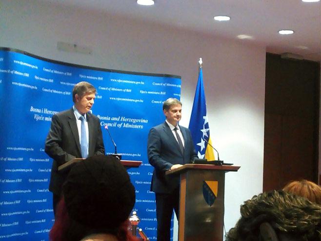 Denis Zvizdić i Lars Gunar Vigemark - Foto: SRNA