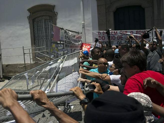 Protesti u Brazilu (foto: www.bcdemocrat.com/) -