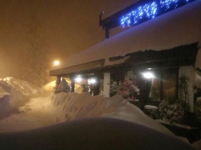 Italija: Snježna lavina obrušila se na hotel (foto: twitter.com) -