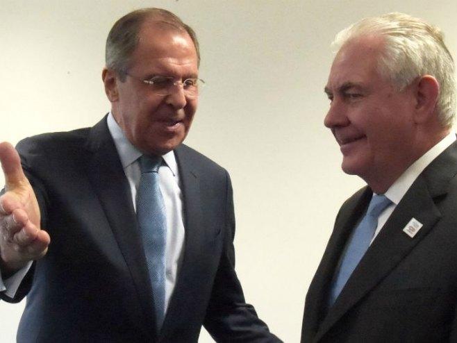 Sergej Lavrov i Reks Tilerson (Foto: © Sputnik/ Eduard Pesov) -