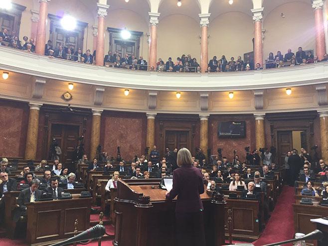 Mogerini u Skupštini Srbije (foto:twitter.com) -