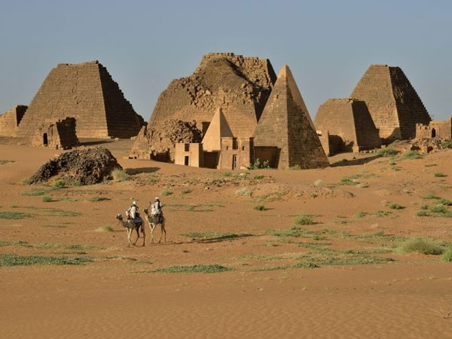 Piramide u Sudanu (foto: www.nationalgeographic.rs) -