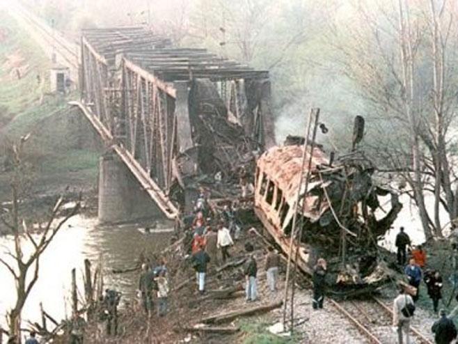 Bombardovanja željezničkog mosta u Grdelici (Foto: brzava.blogspot.rs) -