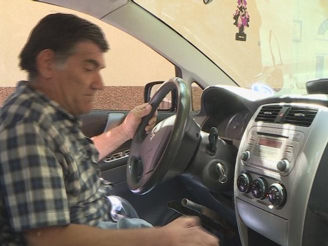 Vozilo za invalida - Foto: RTRS