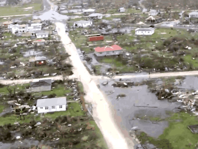 "Ostrvo Barbuda uništio uragan ""Irma"" - Foto: Screenshot"