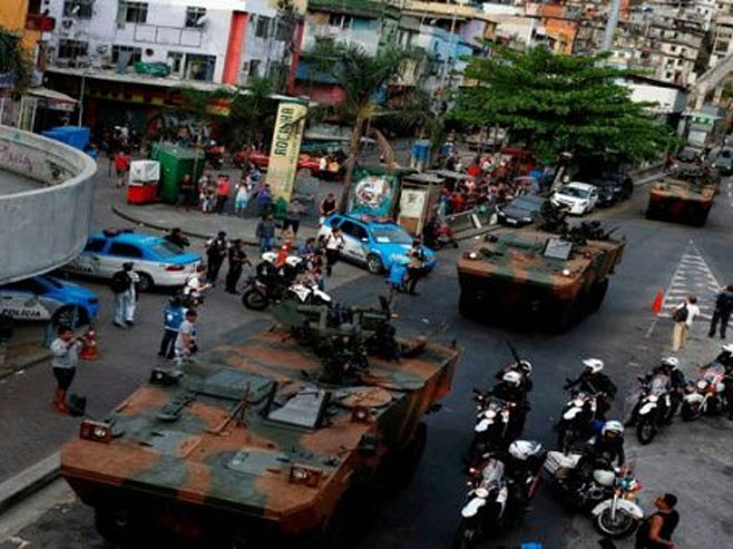 Vojska na ulicama Rija (foto: www.telesurtv.net) -