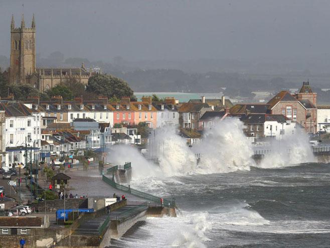Oluja u Irskoj (Foto:cdn.fox.cdn.com) -