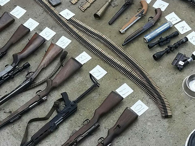 K.Dubica: Zapljena naoružanja - Foto: SRNA