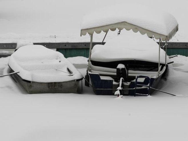 Snijeg paralisao Hrvatsku - Foto: TANЈUG