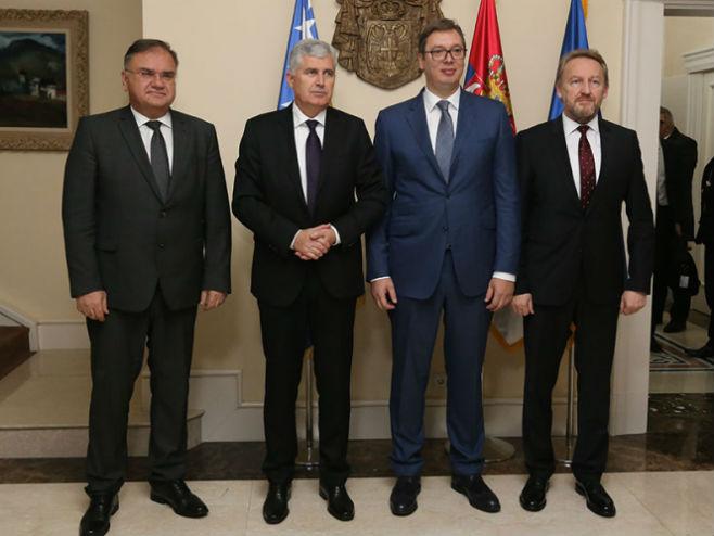Članovi Predsjedništva BiH sa Vučićem - Foto: TANЈUG
