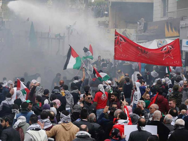 Bejrut: Protesti ispred Ambasade SAD