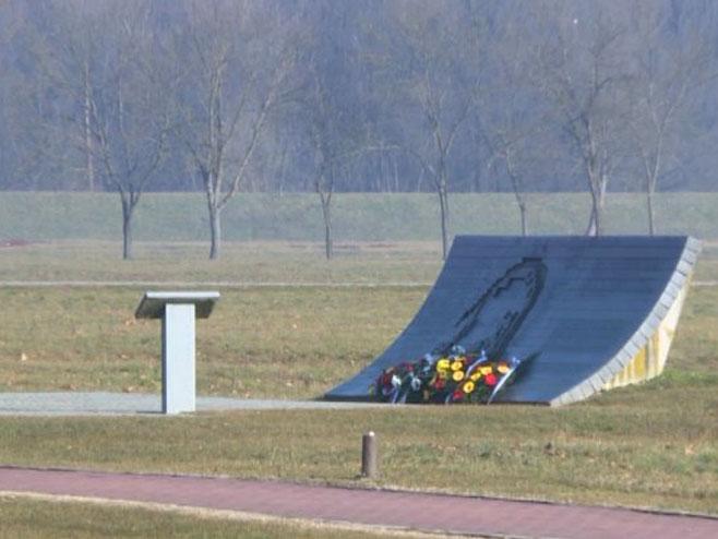 Donja Gradina - Spomenik - Foto: RTRS