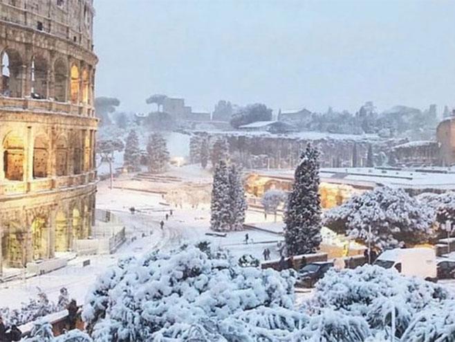 Talas hladnoće zahvatio veći dio Evrope, snijeg 'paralizovao' Rim (Foto: Twitter) -