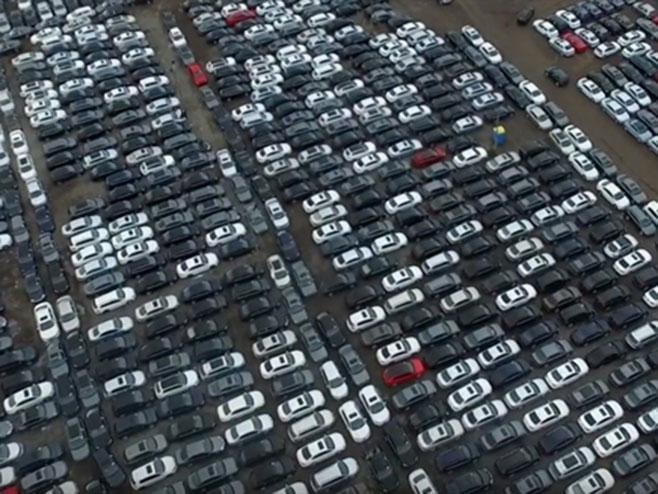 Automobili folksfagen u SAD - Foto: Screenshot/YouTube