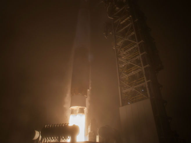 "NASA lansirala raketu ""Insajt"" na Mars (Foto: NASA/Bill Ingalls) -"