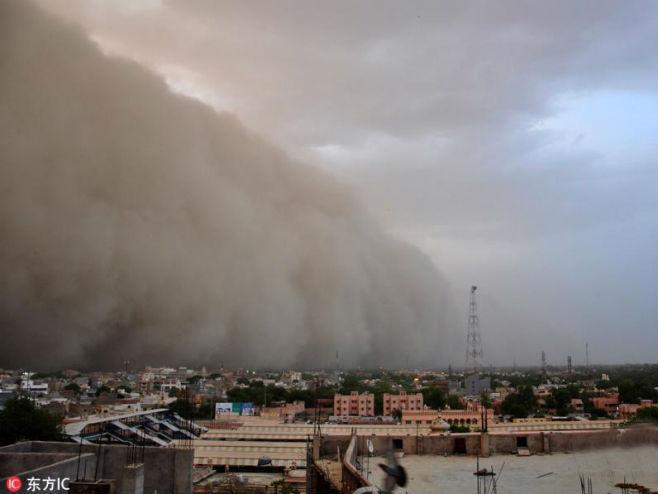 Pješčana oluja u Indiji (Foto: ecns.cn) -