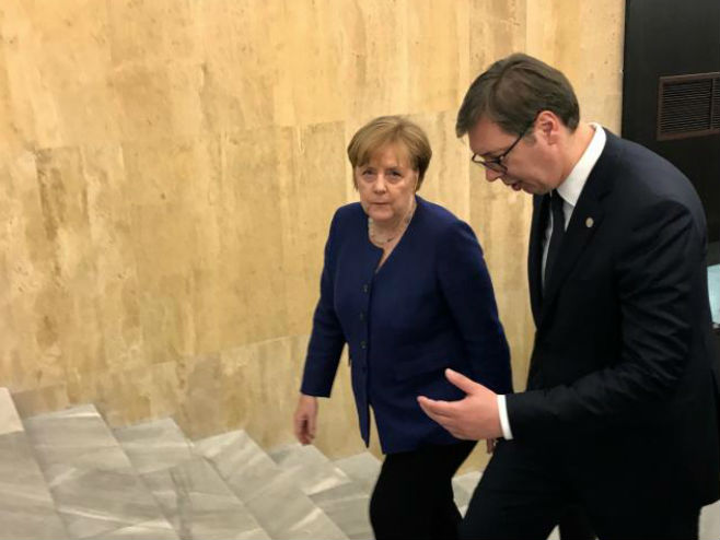 Sastanak Vučuć-Merkel - Foto: TANЈUG