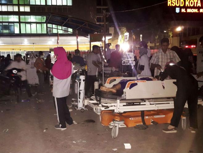 Snažan potres u Indoneziji, 39 poginulih