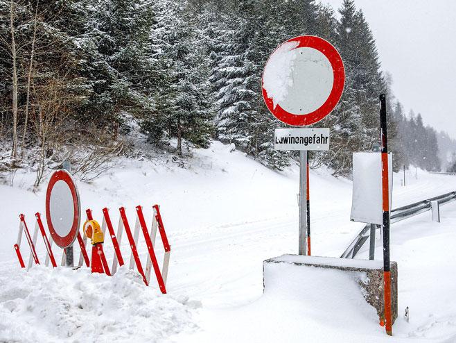 Snijegom zatrpani austrijski putevi (foto: orf.at) -