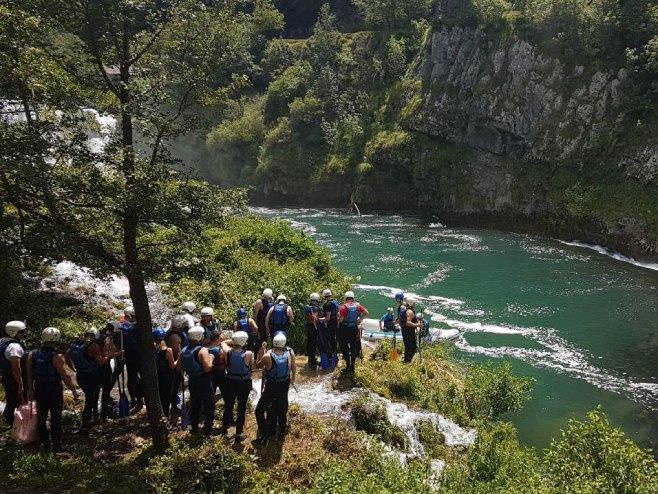 Bosna bi mogla lijepo zarađivati na prihvatu migranata, baš kao HR nekoć  :)  141946