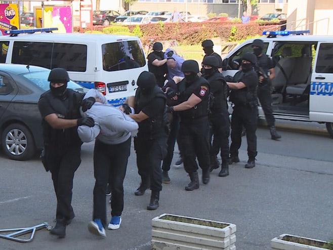 """Јednomjesečni pritvor uhapšenima u akciji """"Klub 2"""""""