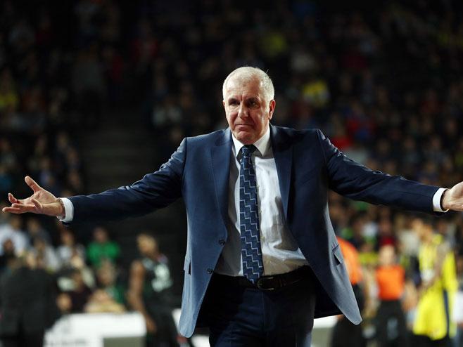 Željko Obradović (foto: twitter.com/FBBasketbol) -