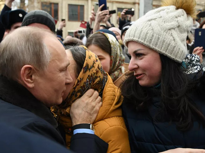 Djevojka zaprosila Putina (Foto: Sputnik / Alekseй Nikolьskiй) -
