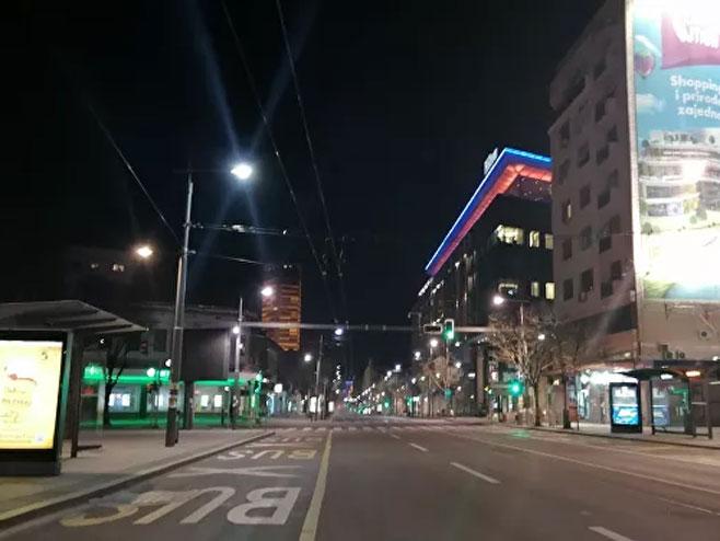 Prazne ulice Beograda (foto: SPUTNIK / PREDRAG VASILjEVIĆ) -