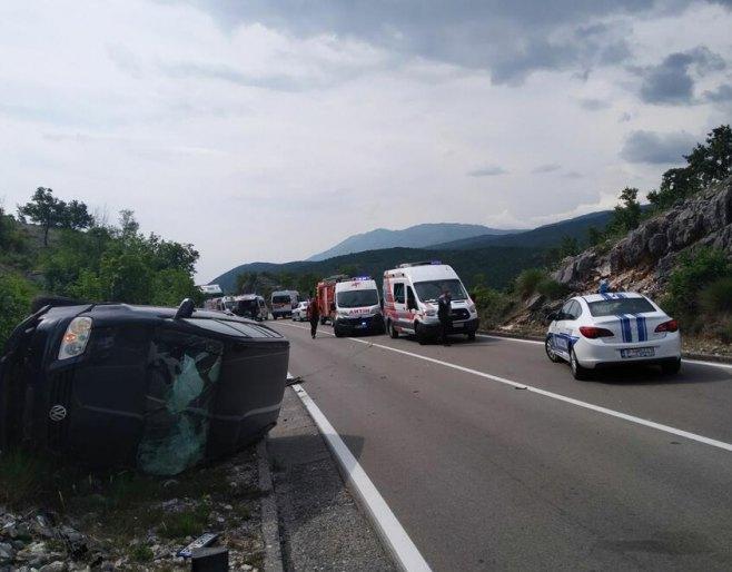 Podgorica: Sudar autobusa i automobila (Foto: vijesti) -