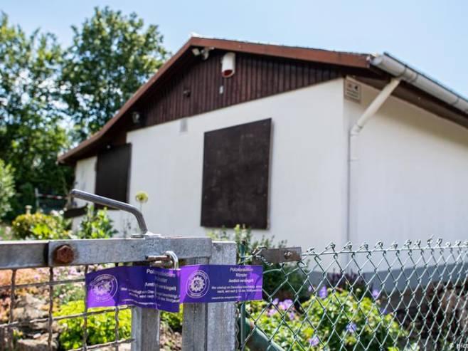 Policija obavila pretres u ovoj kućici u vikendaškom naselju u Minsteru (Foto: picture-alliance/dpa) -