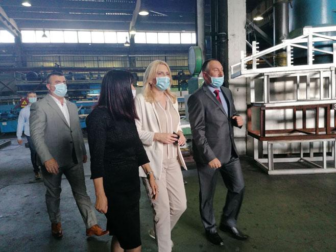 Cvijanović posjetila fabriku Alpro - Foto: RTRS