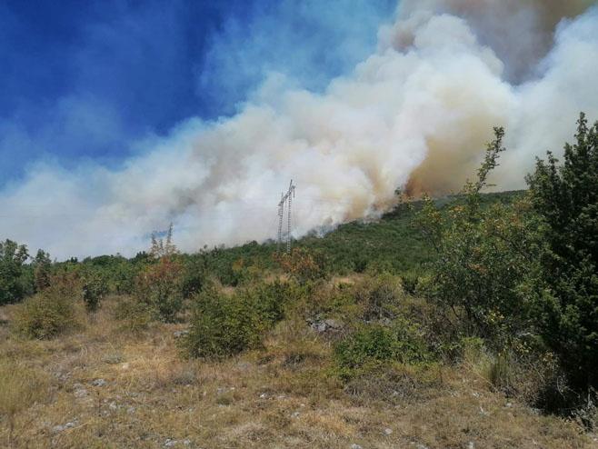 Trebinje: Požar u Banjevcima - Foto: RTRS