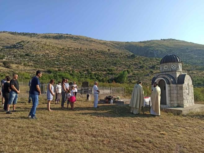 Služen parastos  u selu Čavaš kod Trebinja - Foto: SRNA