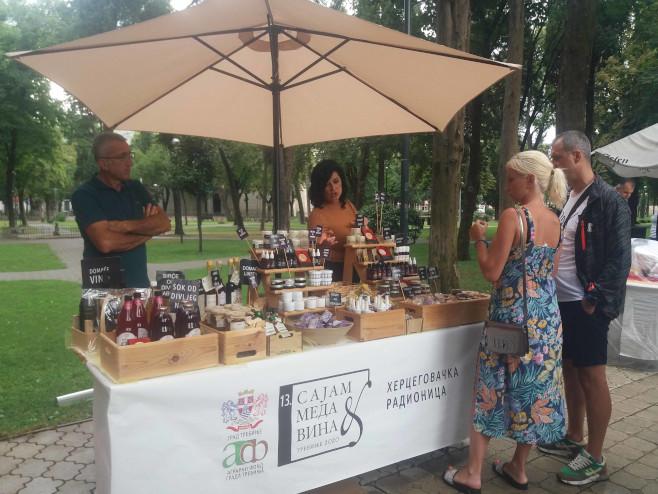 Sajam meda i vina u Trebinju - Foto: SRNA