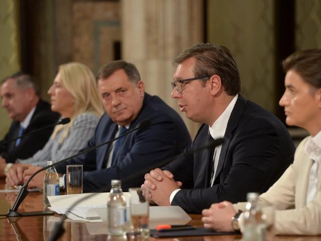 Zvaničnici Srpske i Srbije - Foto: TANJUG